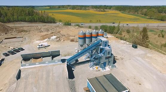 """5 reasons to purchase a portable concrete batching plant with the """"flying"""" aggregate dosing and weighing system"""